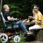 Rollstuhl mit Heckantrieb, stabile Fahreigenschaften auch bei hoher Geschwindigkeit