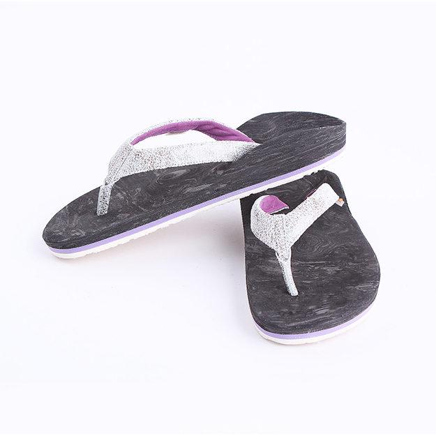 Zehenstegsandalen nach Ihrem Fußabdruck, angefertigt bei RAS in Melle