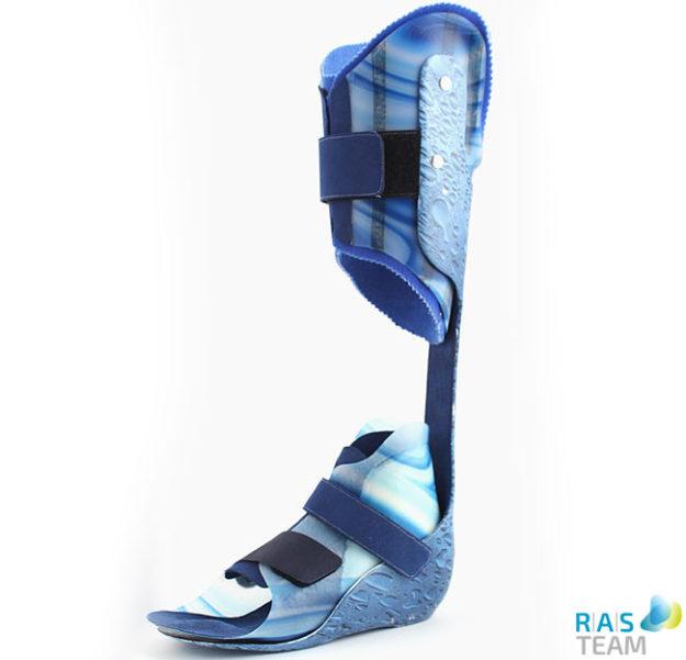 Orthese mit individuellem Design gefertigt von RAS, farbig, Wassertransfer