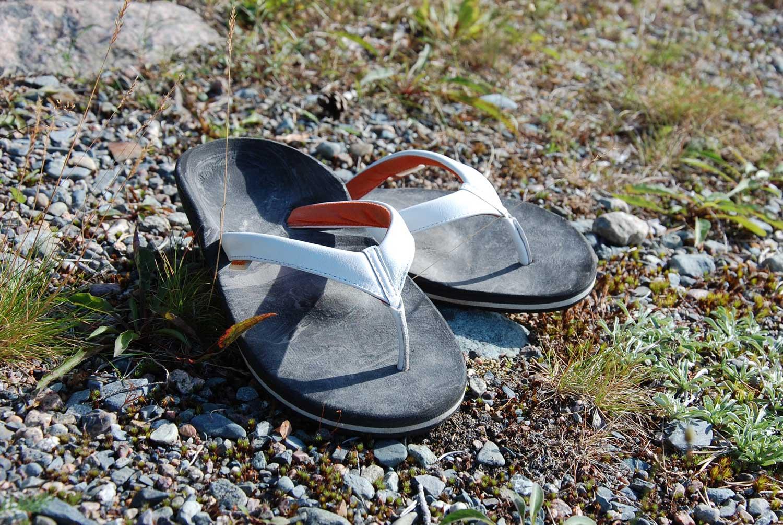 Flipflops in Weiß mit Fußbett